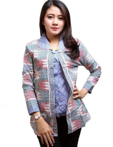 Wanita Terlihat Dewasa 25 Model Baju Batik Kantor Kombinasi Modern Terbaru 2017