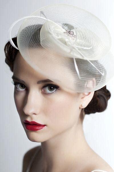 wear  wedding hat weddbook