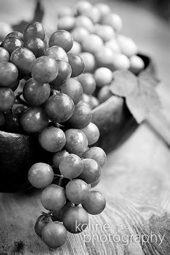 grapes  black white  red  green  black