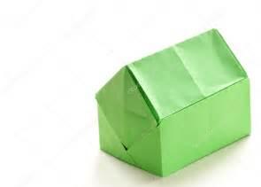 Origami Maison En Papier : maison de papier origami color sur fond blanc photo ~ Zukunftsfamilie.com Idées de Décoration