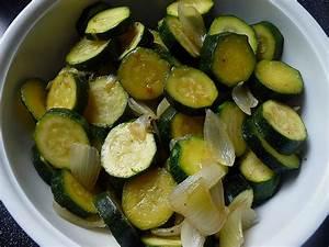 Salat Mit Zucchini : zucchini salat rezept mit bild von sabrina1006 ~ Lizthompson.info Haus und Dekorationen