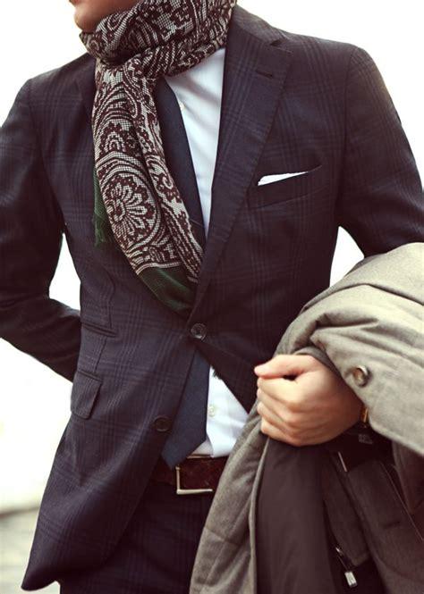 comment porter une echarpe homme echarpe homme comment porter ciabiz