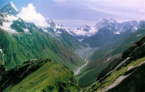 himalayan range in india essential tips for trekking in the indian himalayas with family