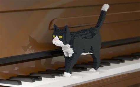 Lego Art Reimagines Furry Felines As Pixelated Sculptures