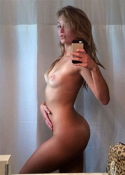 Lili Simmons Nude Leaked Photos Scandal Planet