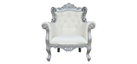 chaise style baroque pas cher fauteuil blanc découvrez nos fauteuils
