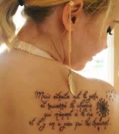 blumen design blumen tattoos bilder frauen oberarm designs rote picture