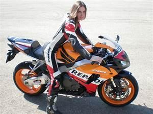 Riding a Honda CBR 1000RR Repsol Replica sportbike ...