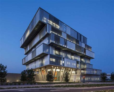 construction of aquitanis headquarters in bordeaux by