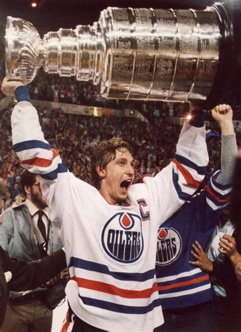 gretzky wayne stanley cup goals oilers hockey trophy nhl edmonton player holding raises points teams canada team lord 1984 greatest