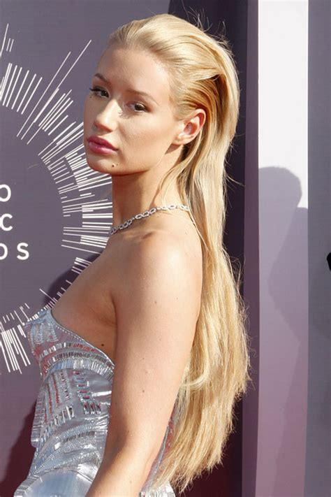 iggy azalea straight golden blonde slicked  hairstyle