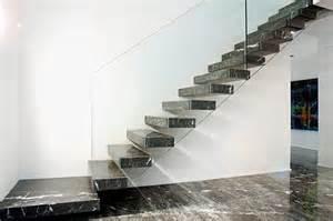 Scale per interni: perché scegliere il marmo