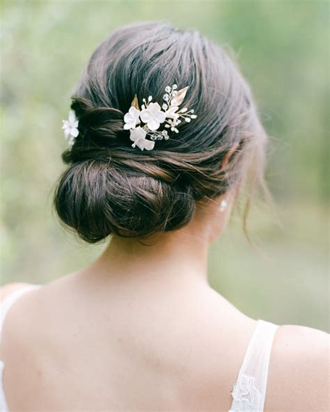 Simple Hairstyles For Hair Wedding by 55 Simple Wedding Hairstyles That Prove Less Is More