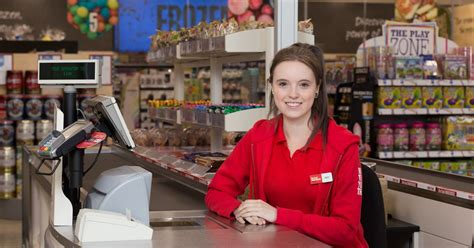New Iceland Food Warehouse is recruiting for 30 new jobs ...