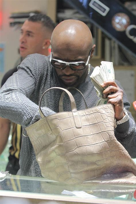 floyd mayweather money bag ridiculousness flashin the cash floyd mayweather pays for