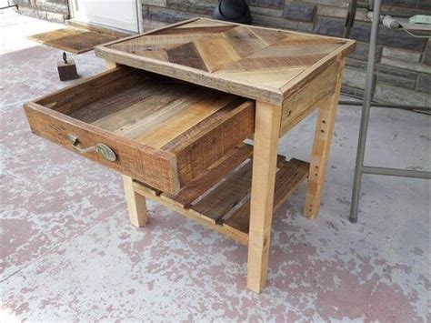 Diy Pallet Nightstand......built To Inspire Diy Steamer Trunk Bar Middle School Locker Wireless Charging Dock Workbench Storage Ideas S2000 Catch Can Cute Valentine S Gifts For Your Boyfriend Cheap French Doors Uhf Antenna Booster
