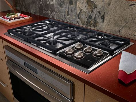 wolf ctg   gas cooktop   dual stacked sealed
