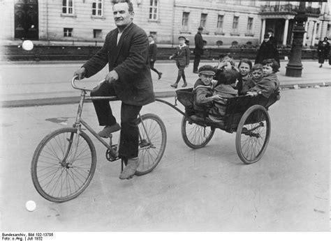 fahrrad mit anhänger vorne file bundesarchiv bild 102 13705 berlin fahrrad mit anh 228 nger jpg wikimedia commons