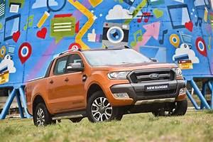 Nouveau Ford Ranger : un design rac et un confort sup rieur pour le nouveau pick up ranger de ford shinymen shinymen ~ Medecine-chirurgie-esthetiques.com Avis de Voitures