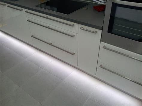 bande led cuisine eclairage led complet d 39 une cuisine led 39 s go
