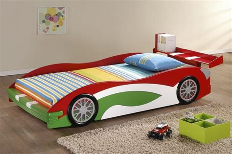 adorable realistic race car bed design  toddlers
