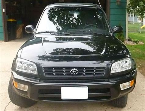 find   toyota rav  package wd awd  mileage