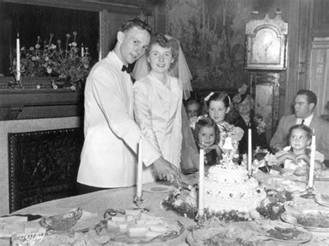 december 23 1961 martin sheen janet templeton sheen cutting the cake they said i do