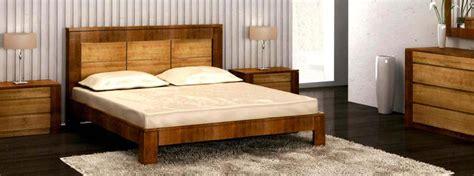 chambre complete adulte chambre à coucher en bois et rangements meubles bois massif