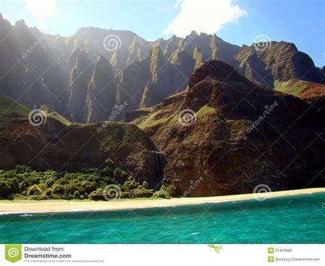 Cliffs On The Na Pali Coast Kauai Island Hawaii Royalty
