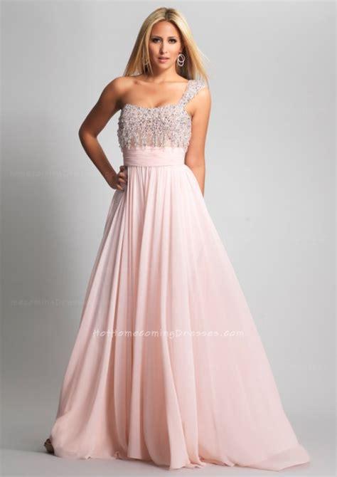 choose    size prom dresses  suit