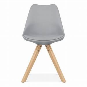 chaise eames inspired grise avec pieds pyramide en bois With meuble salle À manger avec chaise grise