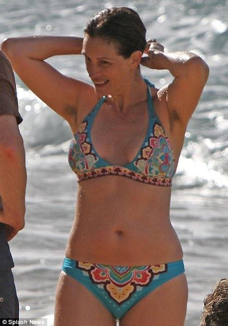 Julia Roberts Lets It All Hang Out ? Again   SHE'SAID