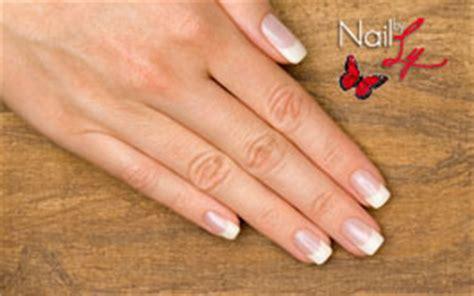 bureau manucure renforcement des ongles naturels nail by ly
