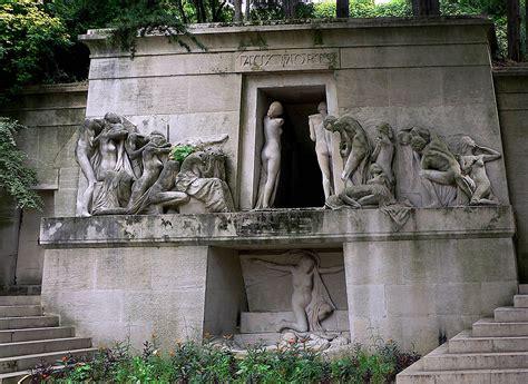 le pere la chaise pere lachaise cemetery in the most
