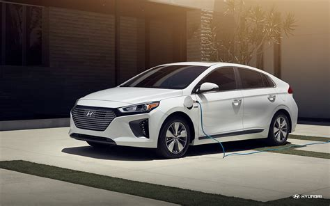 hyundai ioniq plug  hybrid overview  news wheel
