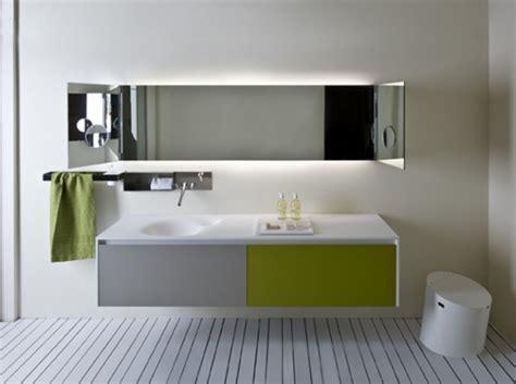 miroir salle de bain a coller miroir design salle de bain homeandgarden
