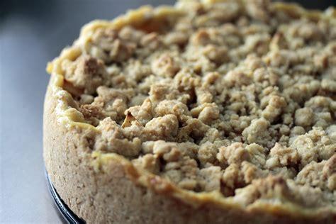 veganer kuchen apfelkuchen mit vanillepudding und streuseln vegan connection e v