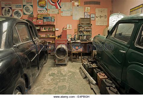 Vintage Cars Garage Stock Photos & Vintage Cars Garage