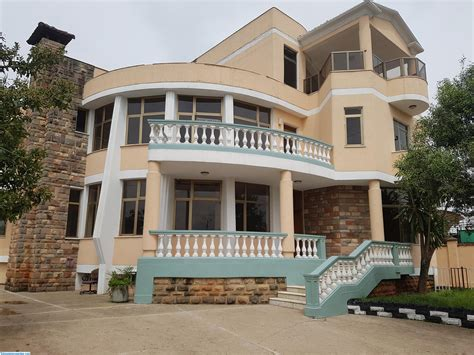 8 Bedroom House For Sale In Old Airport