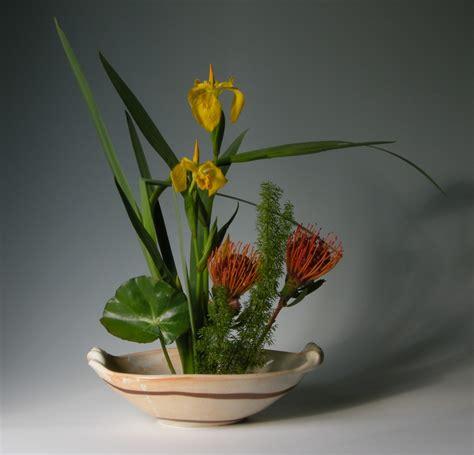 lovely  unique ikebana flower arrangements
