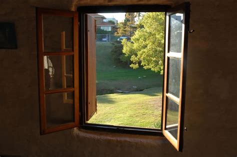 opening windows reduce damp room ventilation facts