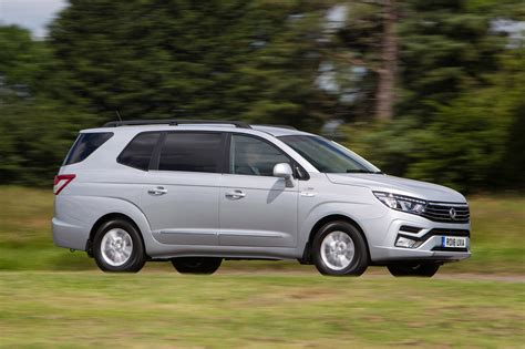 SsangYong Turismo updated with new look for 2018 | Auto ...