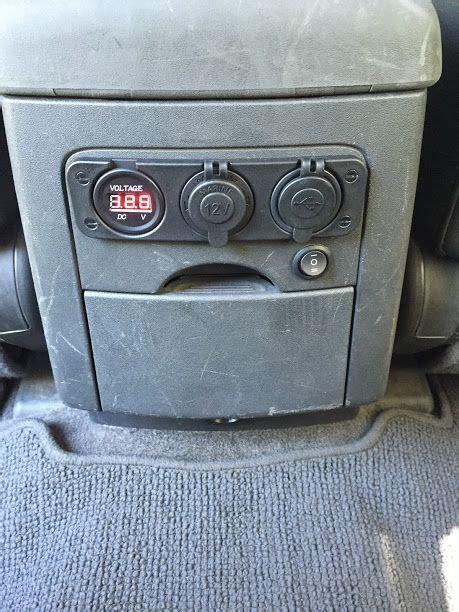 install  voltmeterusbv outlet   rear