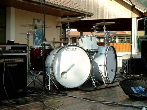 show  big bass drum  page