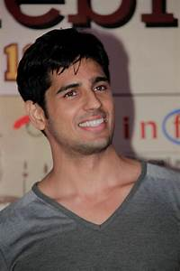 Indian Model, Actor Siddharth Malhotra photos collection ...