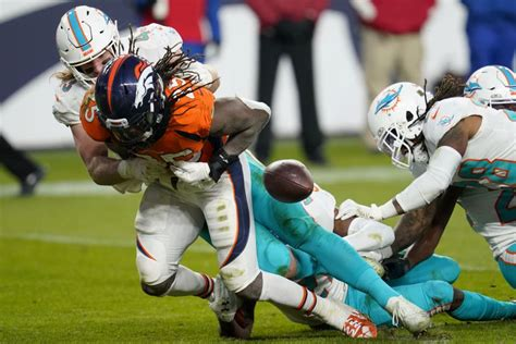 Gashed again: Dolphins still trying to shore up run defense