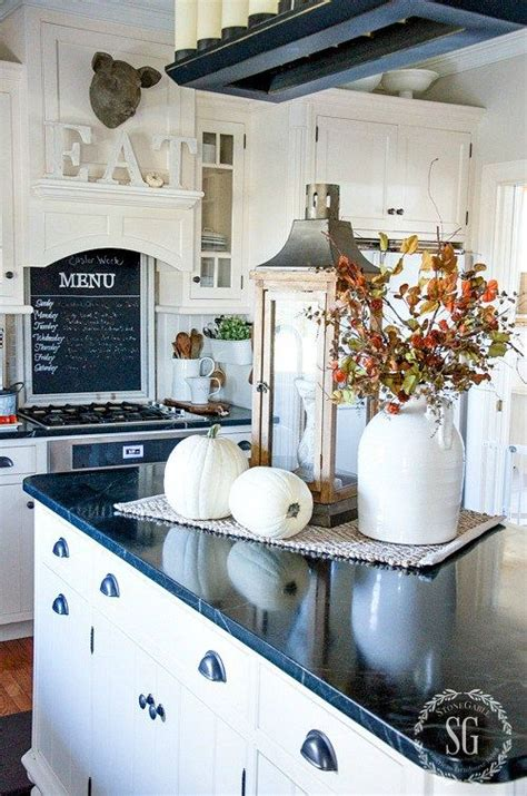 Kitchen Countertop Decorative Accessories by Best 25 Kitchen Island Centerpiece Ideas On