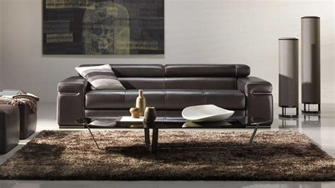 Natuzzi's Two Unique Approaches To Leather Upholstery