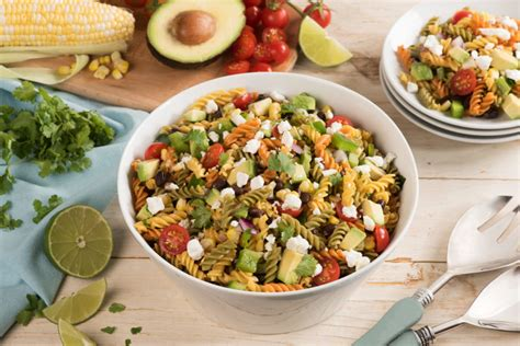 Looking for a comfort yet festive dish to welcome the new season? Festive Taco Pasta Salad - The Food Gays
