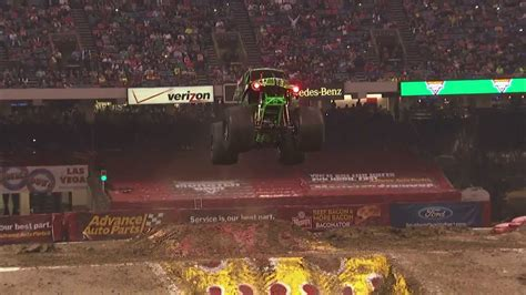 Monster Jam - Grave Digger Freestyle from New Orleans ...